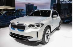 宝马新能源车型,计划在2023年推出25款新能源车型