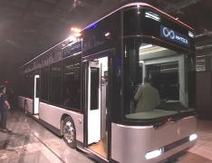 富士康发布三款Model电动车,包括轿车、SUV和巴士